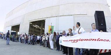 Manifestazione solidarietà a De Masi