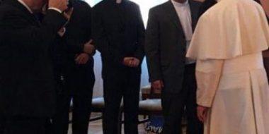 """Roma. """"Il coraggio di guardarsi negli occhi"""": l'incontro del Papa con alcuni gesuiti polacchi"""