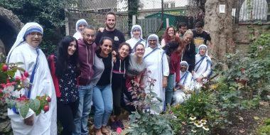 Giovani volontari a servizio dei poveri